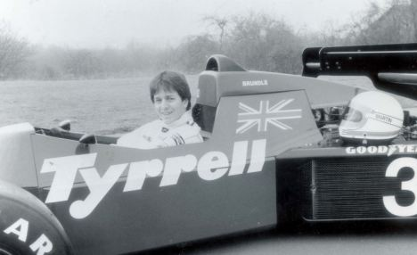 Brundle gets thrown out of Tyrrell 1984 for running illegal water tank