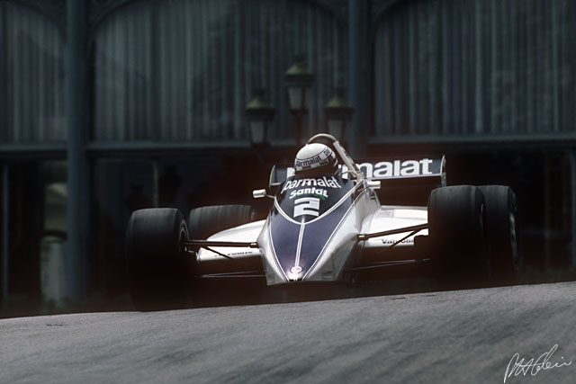Tyrrell stored a reserve water tank as a weight advantage